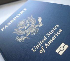 Bolsonaro libera turistas de EUA, Austrália, Canadá e Japão a entrar no Brasil sem visto