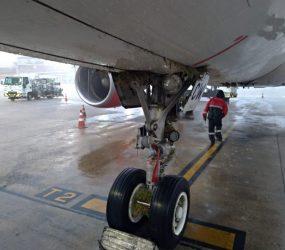Aeronave da Avianca sai da pista durante pouso no Galeão
