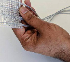 Cientistas criam implante que transforma sinais cerebrais em fala
