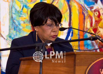 Crise no governo: Ministra Roline Samsoedien renuncia o cargo