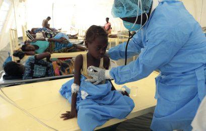 Moçambique registra mais de mil casos de cólera após passagem de ciclone Número de infecções deve aumentar,
