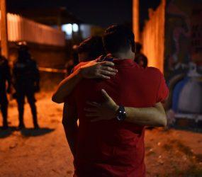 Grupo armado entra em festa e mata 13 pessoas no México