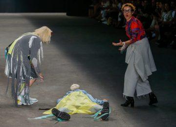 Morre modelo que desmaiou em desfile da SPFW