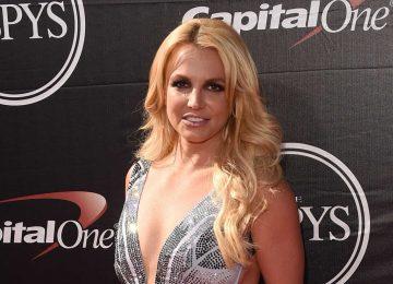 Britney Spears se interna em clínica de saúde mental em meio à doença do pai