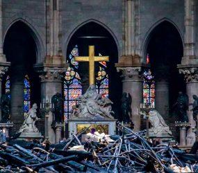 Doações para reconstrução da Catedral de Notre-Dame somam US$ 900 milhões