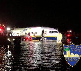 Avião sai da pista e cai em rio na Flórida em tentativa de pouso durante tempestade