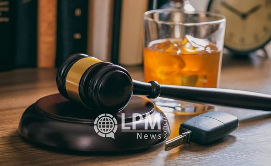 Motorista bêbado sopra 635 microgramas de álcool