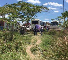 Crianças venezuelanas se arriscam a cruzar rotas ilegais para estudar no Brasil