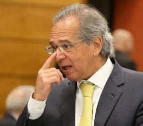 Previdência virou um 'buraco negro fiscal' e economia está no 'fundo do poço', diz Paulo Guedes