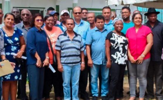 Vissector Nickerie kaart problemen aan