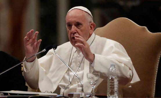 Francisco diz querer fazer primeira visita papal ao Iraque
