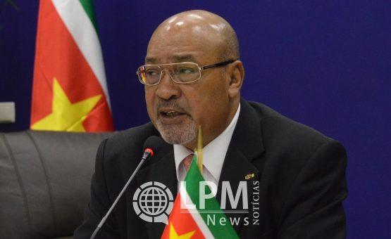 Presidente Desi Bouterse viaja para empossar nova comissária distrital de Nickerie