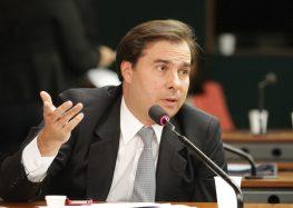 Maia quer rapidez com reforma tributária, mas admite que impostos não vão diminuir