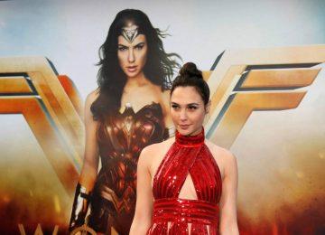 Salário da Mulher-Maravilha é 2% do valor pago ao Super-Homem