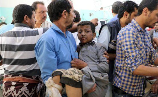 Coalizão árabe admite 'erros' em bombardeio que matou 40 crianças no Iêmen