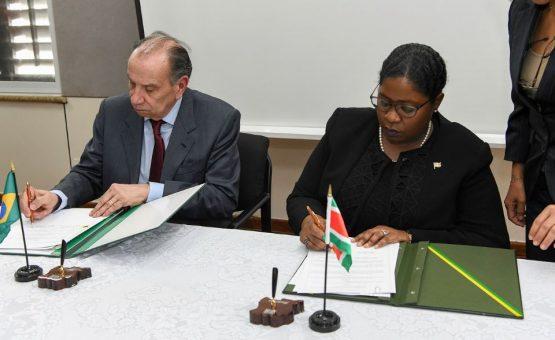 Ministro das Relações Exteriores do Brasil visitou o Suriname
