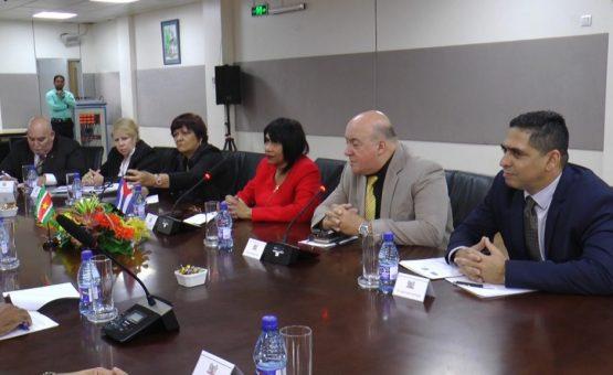 Médicos cubanos irão trabalhar no hospital em Wanica