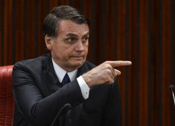 Ao deixar Israel, Bolsonaro diz que agora 'vai jogar pesado' na reforma da Previdência