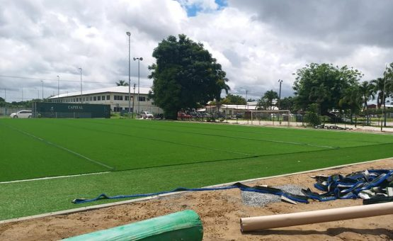 Ministério monta novos campos de grama artificial