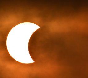 Eclipse solar será visível de forma parcial no Brasil; saiba como será
