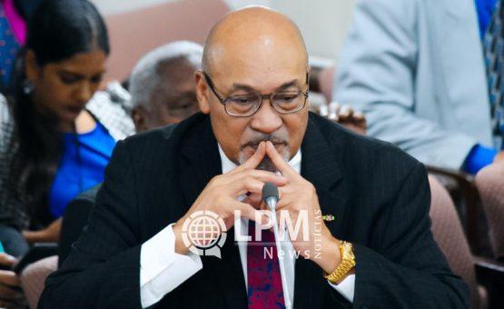 Presidente Desiré Delano Bouterse recebeu família de garimpeiro morto