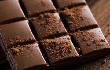 Chocolate amargo pode reduzir sintomas de depressão