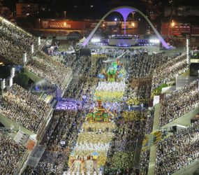 Crivella 'bate o martelo' e diz que escolas de samba não terão subsídios da Prefeitura no carnaval de 2020