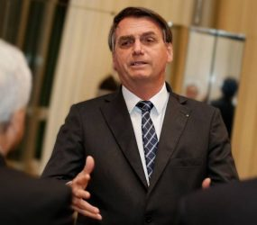Bolsonaro pode abrir crise com Congresso se vetar novas regras eleitorais, dizem parlamentares