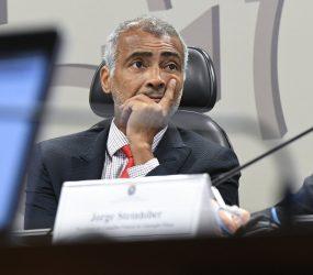Justiça manda Romário pagar R$ 385 mil em aluguéis atrasados de casa no Lago Sul, no DF