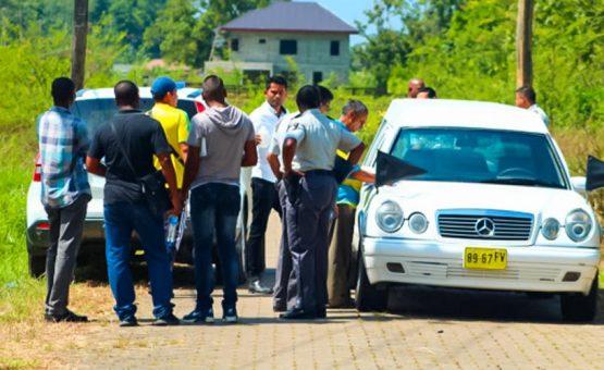Funcionário do CIVD é encontrado morto dentro de carro